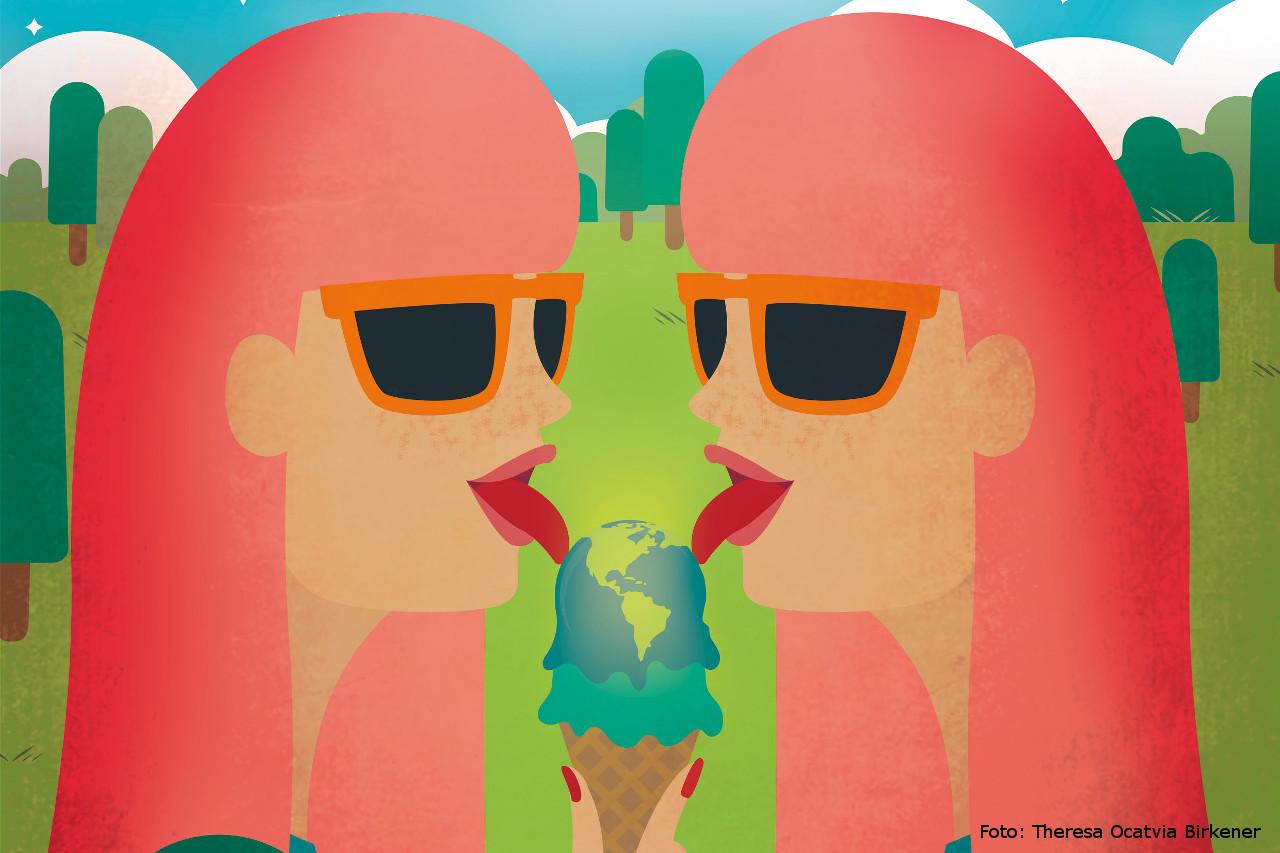 Zwei Frauen essen Eis - Idee Sommerevent Tollwood 2019