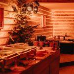 Deine Tollwood Weihnachtsfeier mit Bio-Buffet und gemütlichen Sitzecken